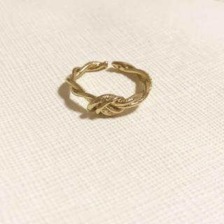 トゥデイフル(TODAYFUL)のねじねじ デザインリング ゴールド(リング(指輪))