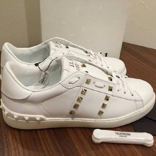 VALENTINO - バレンチノ新作スニーカー ホワイト 新品