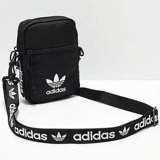 adidas - 【海外限定モデル】adidas ショルダーバッグ ブラック