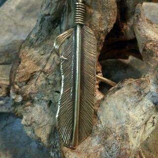 髪飾り ヘアピアス ヘアアクセサリー フェザー 真鍮製 ハンドメイド 1点物  (ヘアアクセサリー)