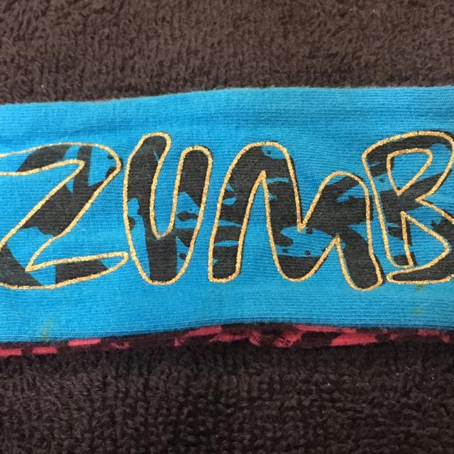 Zumba(ズンバ)のZUMBA☆ズンバ☆ヘアバンド☆ほぼ新品☆2点 レディースのヘアアクセサリー(ヘアバンド)の商品写真