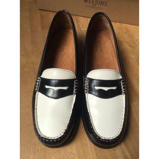ジーエイチバス(G.H.BASS)のG.H.Bass ローファー 6.5 黒白バイカラー 美品 (ローファー/革靴)