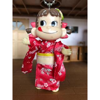 フジヤ(不二家)のペコちゃん 赤 浴衣(キャラクターグッズ)