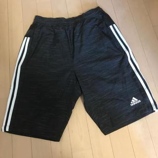 アディダス(adidas)のadidas パンツ(ショートパンツ)