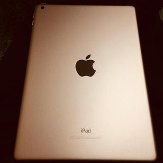 iPad - 【美品】iPad 6世代 128GB ゴールド Wi-Fiモデル +おまけ