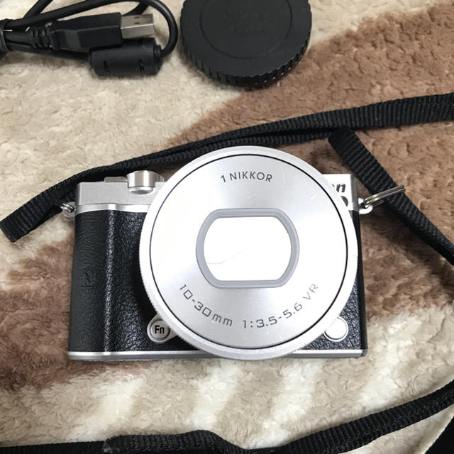 Nikon(ニコン)のnikon1j5  スマホ/家電/カメラのカメラ(ミラーレス一眼)の商品写真