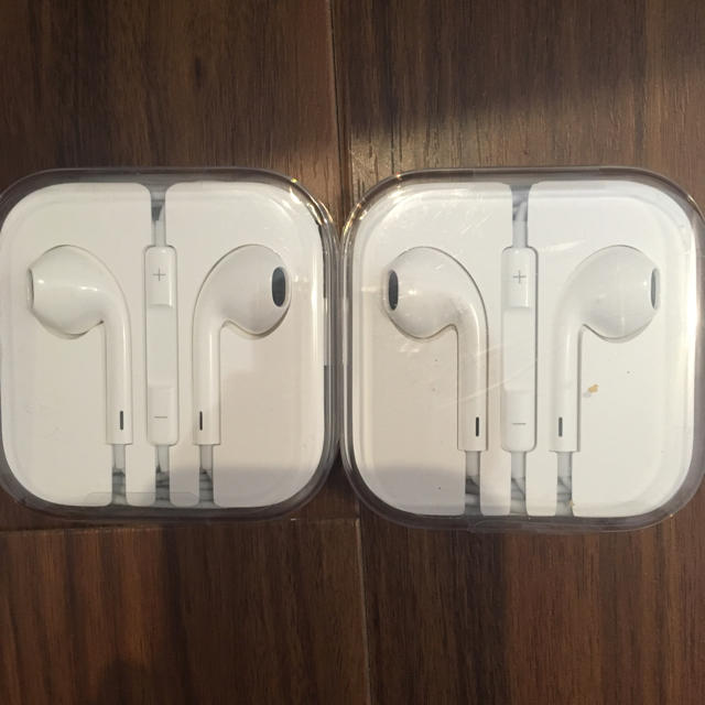 iPhone(アイフォーン)のiphone イヤホン2個セット スマホ/家電/カメラのオーディオ機器(ヘッドフォン/イヤフォン)の商品写真
