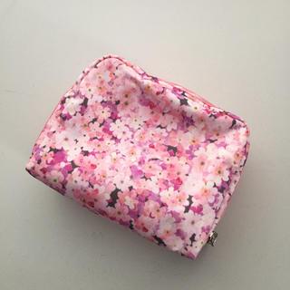 LeSportsac - レスポートサックポーチ  ② 桜×ピンク