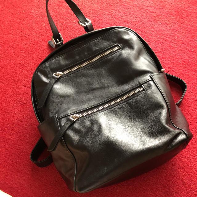 PAPILLONNER(パピヨネ)のリュック 本革 ブラック レディースのバッグ(リュック/バックパック)の商品写真