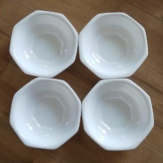 ヤマザキセイパン(山崎製パン)の山崎パン春のパン祭りの白いお皿4枚セット(食器)