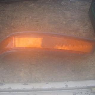 ハイエース100系ウィンカー右側(車種別パーツ)