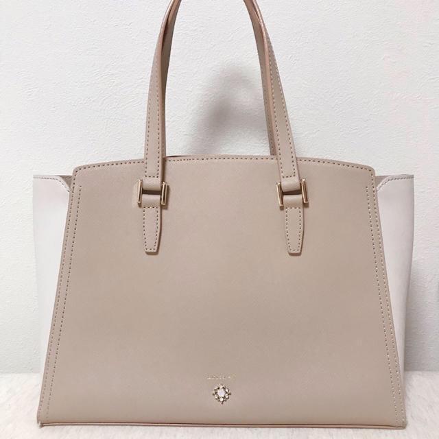 4℃(ヨンドシー)のLuria 4°C ♡ バッグ レディースのバッグ(ハンドバッグ)の商品写真