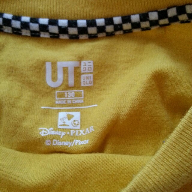 UNIQLO(ユニクロ)のユニクロ カーズ Tシャツ 130 キッズ/ベビー/マタニティのキッズ服 男の子用(90cm~)(Tシャツ/カットソー)の商品写真