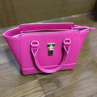 ジーユー(GU)の鞄(ハンドバッグ)