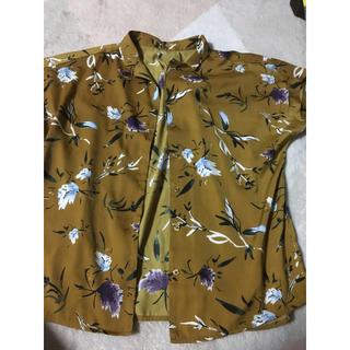 ジーユー(GU)のGU 花柄プリントシャツ(シャツ/ブラウス(半袖/袖なし))
