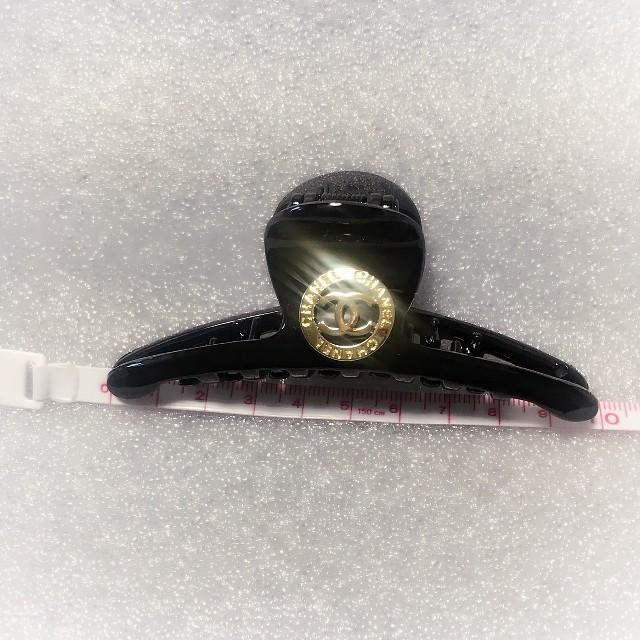 CHANEL(シャネル)のシャネルヘアクリップ レディースのヘアアクセサリー(バレッタ/ヘアクリップ)の商品写真