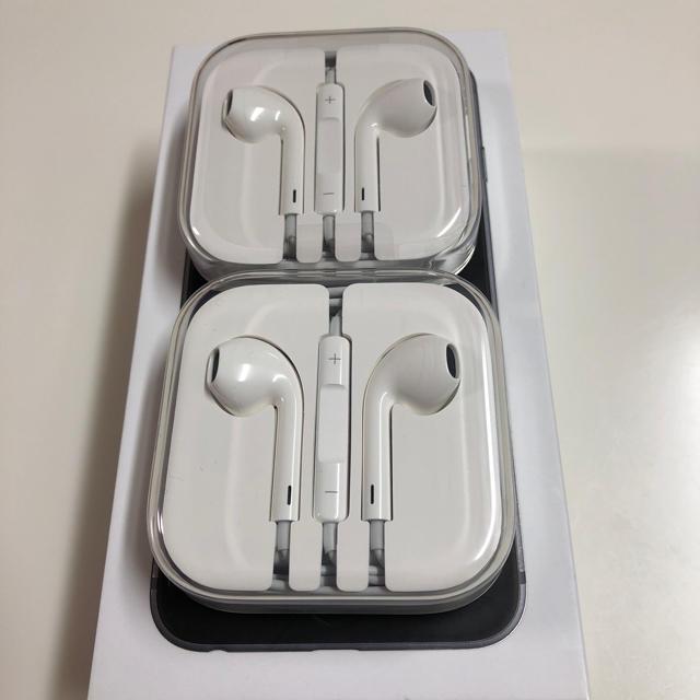 iPhone(アイフォーン)のiphone イヤホン純正 新品未使用 スマホ/家電/カメラのオーディオ機器(ヘッドフォン/イヤフォン)の商品写真