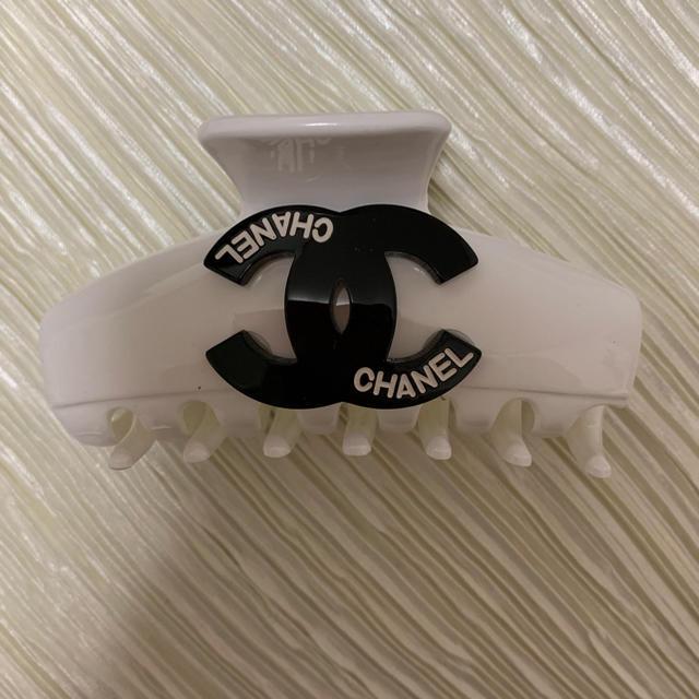CHANEL(シャネル)のシャネル ヘアクリップ レディースのヘアアクセサリー(バレッタ/ヘアクリップ)の商品写真