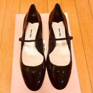 miumiu - ミュウミュウmiumiuエナメル黒バレエシューズメリージェーンパンプスペタンコ靴