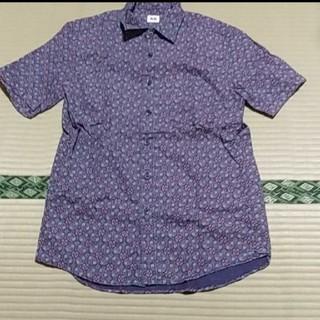 ユニクロ(UNIQLO)のUNIQLO ユニクロ 総柄 半袖シャツ(シャツ)