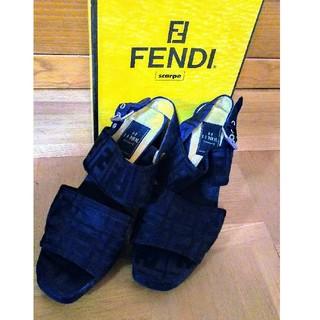 フェンディ(FENDI)のFENDI   黒ズッカ柄サンダル(サンダル)