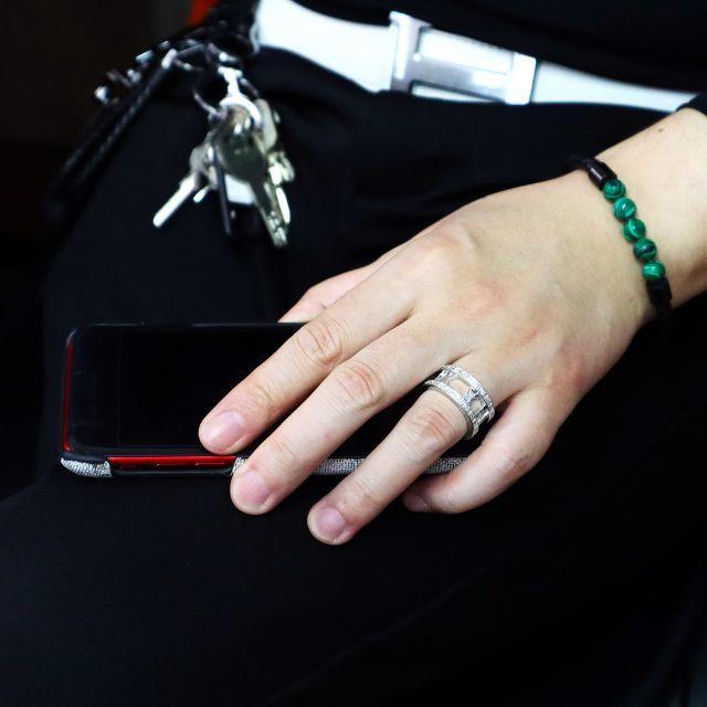 大人気ローマ字リング メンズリング キラキラ これ1つで手元華やか♪ メンズのアクセサリー(リング(指輪))の商品写真