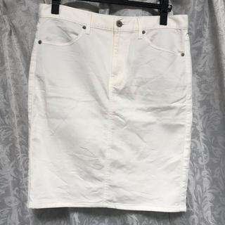 ジーユー(GU)の美品!GU*タイト白デニムスカート*XLサイズ(ひざ丈スカート)