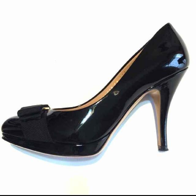 Salvatore Ferragamo(サルヴァトーレフェラガモ)のフェラガモパンプス レディースの靴/シューズ(ハイヒール/パンプス)の商品写真