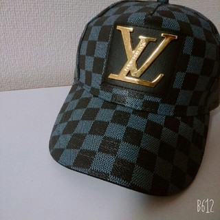 LOUIS VUITTON - Supreme キャップ & LOUIS VUITTON