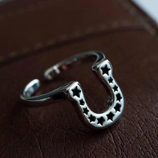 人気商品!星付き黒墨コーティング!サイズフリー!ホースシューリング指輪(リング(指輪))