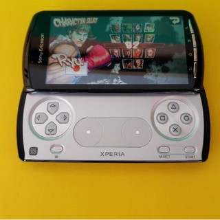 xperia play so-01d エミュレータ sd32gb(スマートフォン本体)
