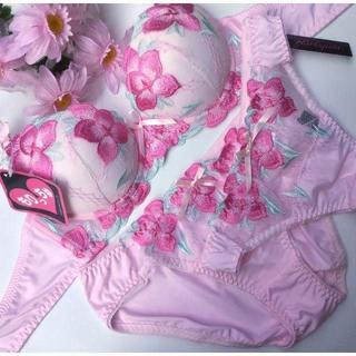 Tバック付き☆B65M♡刺繍ピンク♪ブラ&ショーツ 3点set(ブラ&ショーツセット)