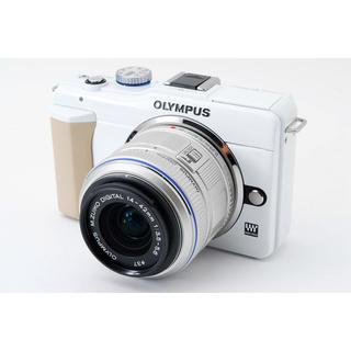 オリンパス(OLYMPUS)の☆カメラバッグ & WiFiカード付き☆オリンパス E-PL1s ホワイト(ミラーレス一眼)