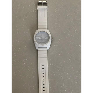 アディダス(adidas)のadidas ホワイト 腕時計 (腕時計(アナログ))