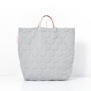 e6c86f453c93 コムデギャルソン(COMME des GARCONS)のDOTS PACK 新品 最終値下げ(トートバッグ)