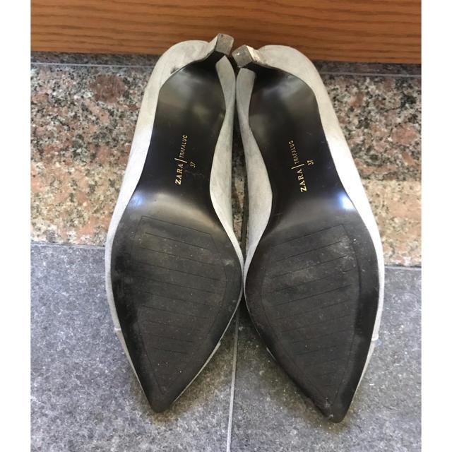 ZARA(ザラ)のZARA ポインテッドスエードグレーパンプス 37サイズ レディースの靴/シューズ(ハイヒール/パンプス)の商品写真