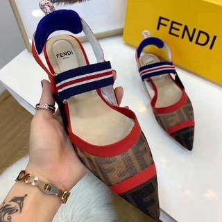 フェンディ(FENDI)のFENDI サンダル   (サンダル)