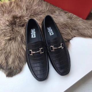 Salvatore Ferragamo - サルヴァトーレフェラガ 靴/シューズ ローファー 靴革 サイズ42