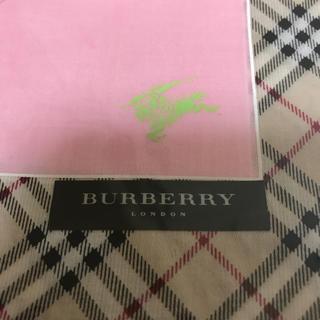 バーバリー(BURBERRY)のburberry バーバリーハンカチ  新品(ハンカチ)
