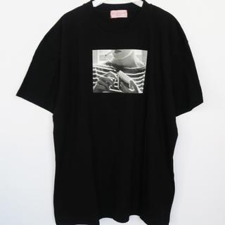 ハニーミーハニー(Honey mi Honey)のhoneymihoney cigarette Tシャツ(ブラック)(Tシャツ(半袖/袖なし))