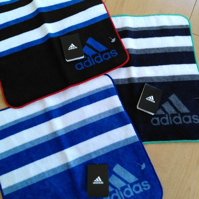 adidas(アディダス)のアディダス ハンカチ タオル 3枚セット adidas  インテリア/住まい/日用品の日用品/生活雑貨/旅行(タオル/バス用品)の商品写真