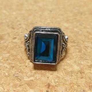 ロンドンブルーが綺麗なリング(リング(指輪))