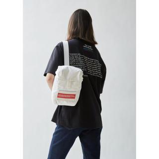 カルバンクライン(Calvin Klein)の【 CALVIN KLEIN JEANS 】 Logo Body Bag(ボディーバッグ)