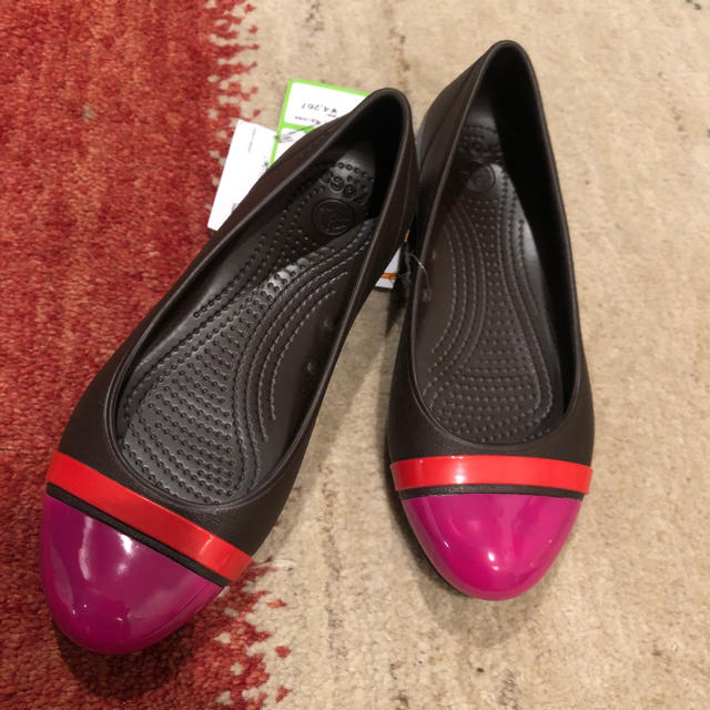 crocs(クロックス)のクロックス  CAP TOE FLAT  ピンク  レディースの靴/シューズ(サンダル)の商品写真