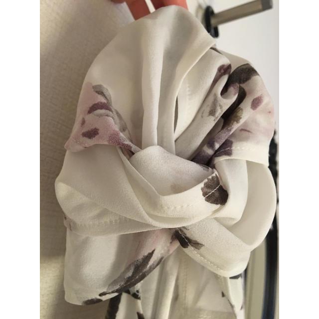 しまむら(シマムラ)の【新品、未使用、タグ付き】マーキュリーデュオ風 花柄Aラインワンピース 白(M) レディースのワンピース(ミニワンピース)の商品写真
