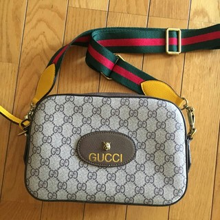 Gucci - gucci リーム メッセンジャーバッグショルダーバッグ    超人気