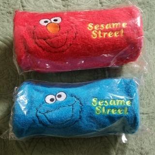 セサミストリート(SESAME STREET)の新品未使用!セサミストリートの多目的ポーチ赤、青2個セット(ペンケース/筆箱)