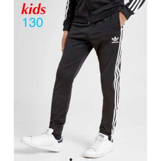 トラックパンツ adidas originals sst ジョガー