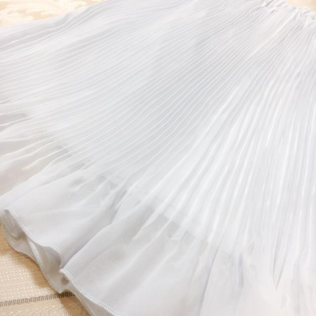 GU(ジーユー)の[新品] ジーユーシフォンプリーツスカート グレー レディースのスカート(ひざ丈スカート)の商品写真