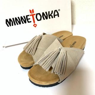 ミネトンカ(Minnetonka)の大流行!美品♥サイズ5 ミネトンカ タッセル サンダル MILA ストーン(サンダル)